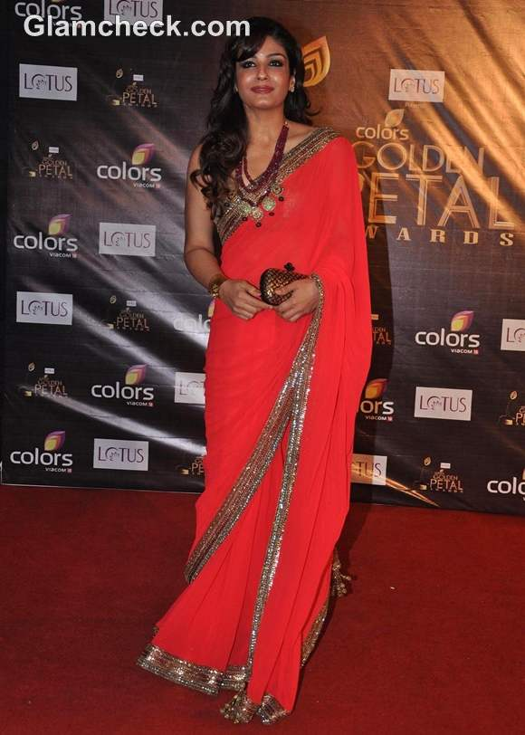 Raveena Tandon at Colors Golden Petal Awards 2012 at BKC in Mumbai