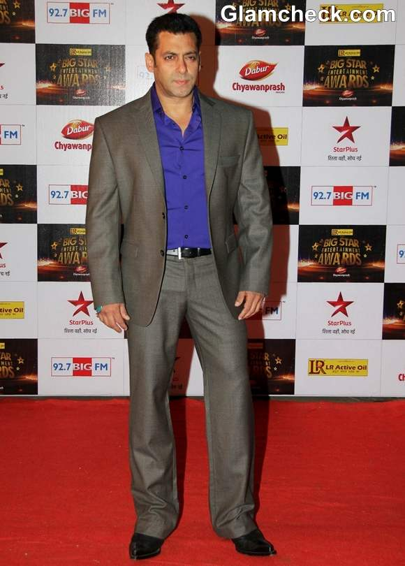 Bollywood Actors At The Big Star Entertainment Awards 2012