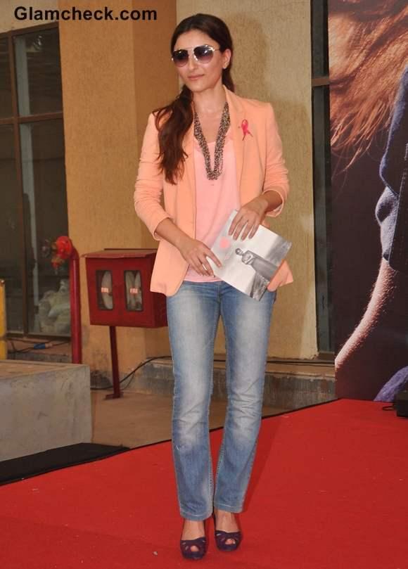 Soha Ali Khan style at the Pinkathon 2012 event