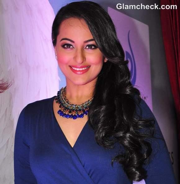 Sonakshi Sinha haristyle makeup