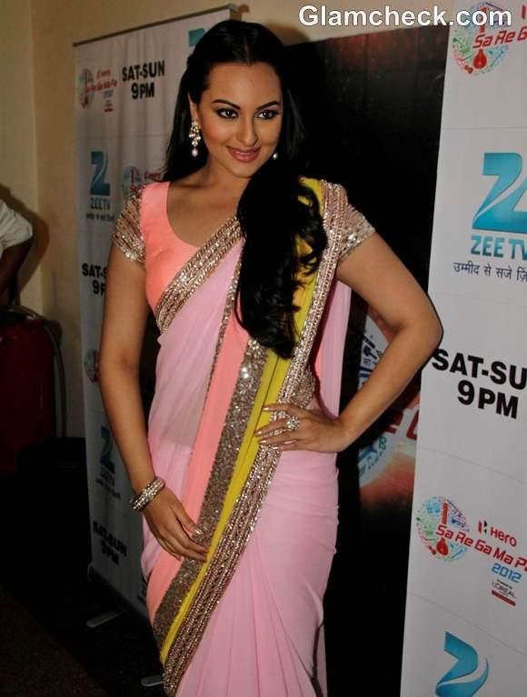 Sonakshi Sinha in manish malhotra pink sari at sa re ga ma pa promote dabangg 2