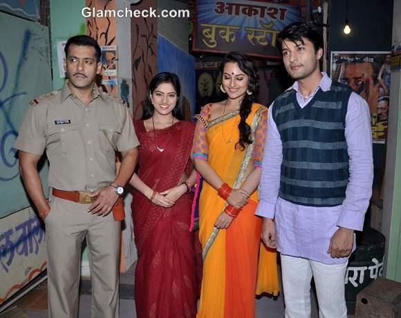 Sonakshi Sinha salman khan at Dabaang 2 Promo