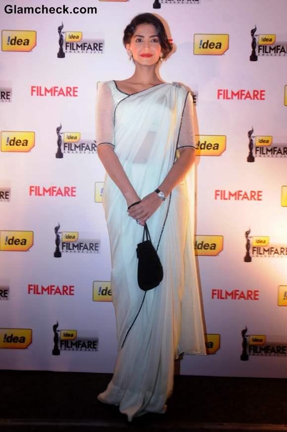 Sonam Kapoor Filmfare Award Press Conference in Bangalore