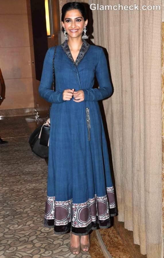 Sonam Kapoor Traditional look anarkali dress 2012