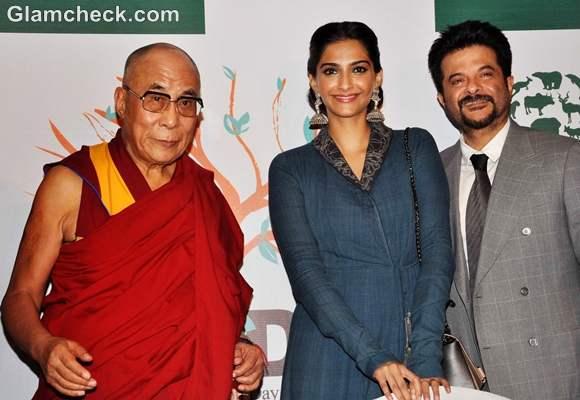 Sonam Kapoor anil kapoor meet Dalai Lama