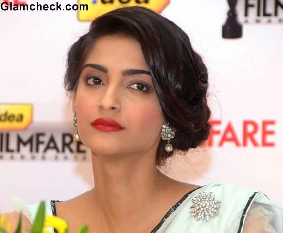 Sonam Kapoor hairstyle  Filmfare Award Press Conference in Bangalore