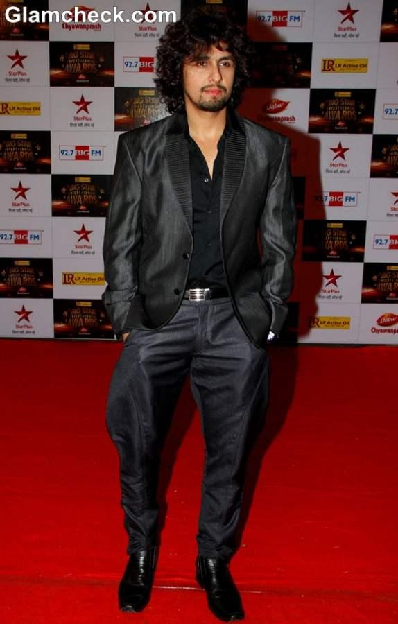 Sonu Nigam at The Big Star Entertainment Awards 2012