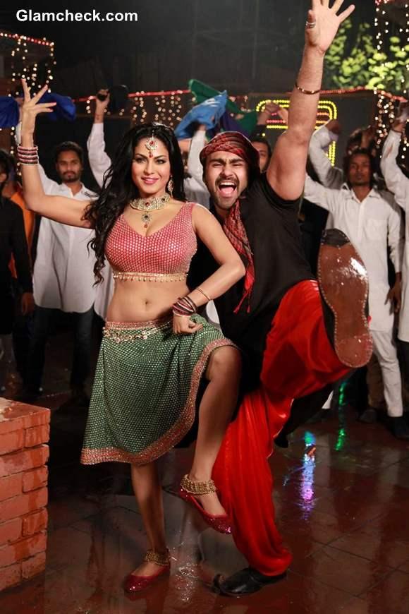 Veena Malik Item Song for Punjabi movie Jatts in Golmaal