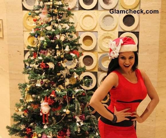 Veena Mallik hot pictures Christmas Photo Shoot