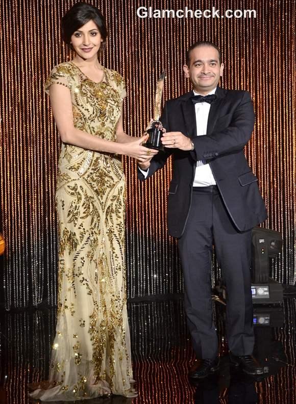 anushka sharma face of the year award at Hello Hall Of Fame Awards