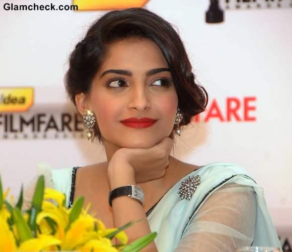 sonam kapoor hairstyle makeup