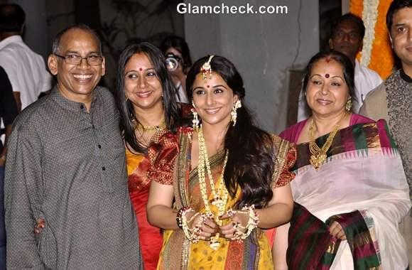 vidya balan mehndi ceremony pictures with family