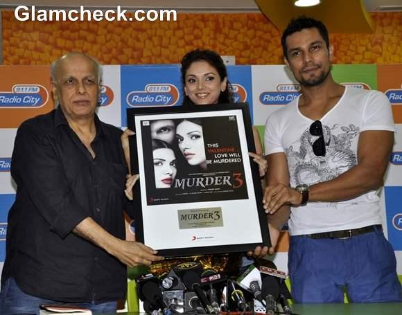 Aditi Rao Hydari Randeep Hooda  Murder 3 Music Launch In Radio City FM Studios