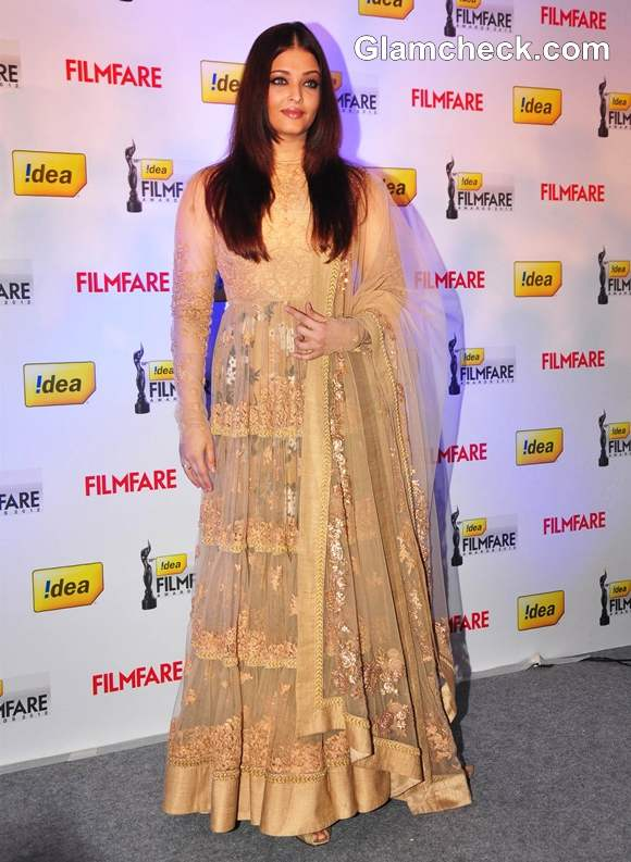 Aishwarya Rai in Sabyasachi dress At 58th Idea Filmfare Awards Press Conference