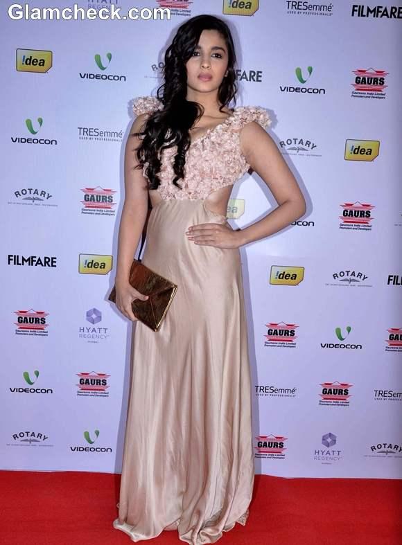 Alia Bhatt at 2013 FilmFare Awards Nominations