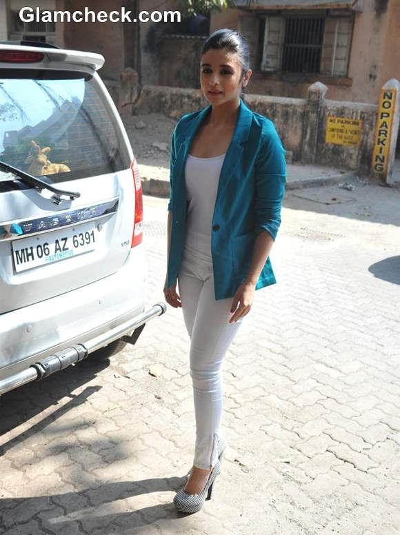 Alia Bhatt casual style 2013 Stardust Awards Announcement