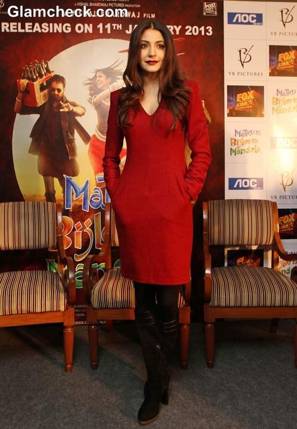 Anushka Sharma outfit at Matru Ki Bijlee Ka Mandola New Delhi promotions