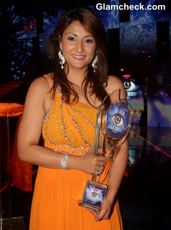 Bigg Boss Season 6 Winner is Urvashi Dholakia