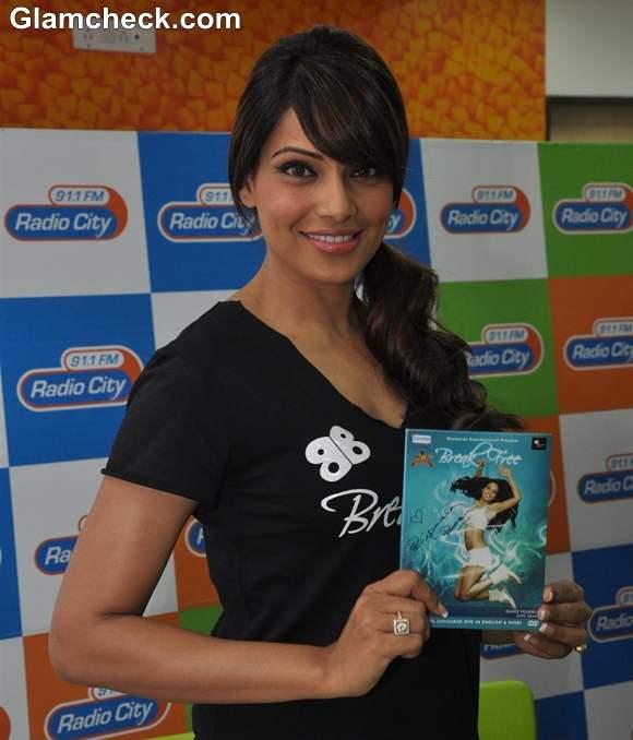 Bipasha Basu 2013 Fitness DVD Break Free