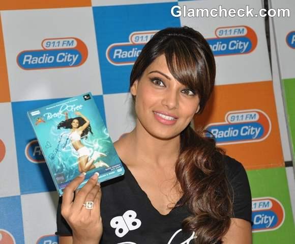 Bipasha Basu Promotes Latest Fitness DVD Break Free on Radio City