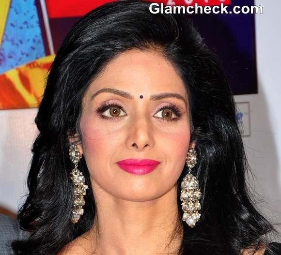 DIY makeup Sridevi pink lips