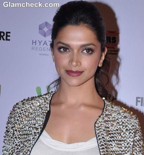 Deepika Padukone 2013 FilmFare Award Nominations