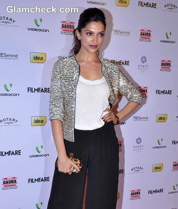 Deepika Padukone 2013 Filmfare Award
