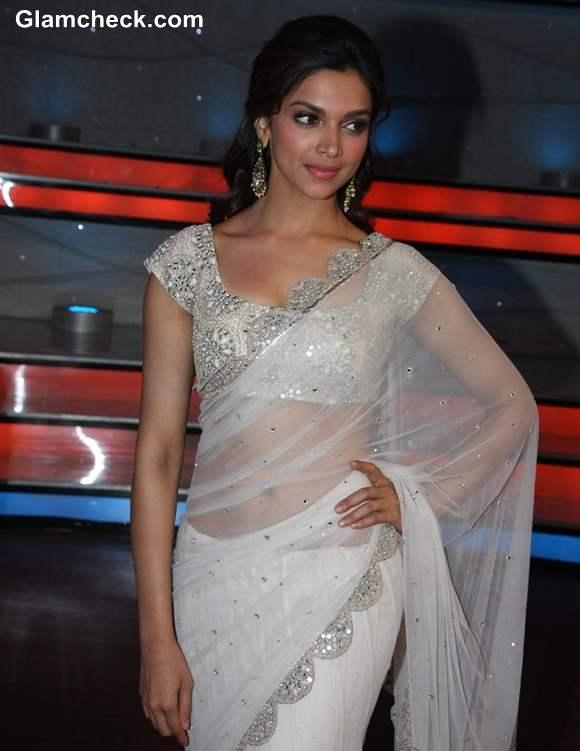 Deepika Padukone hot in sari 2013 Promotes Race 2 on Nach Baliye 5