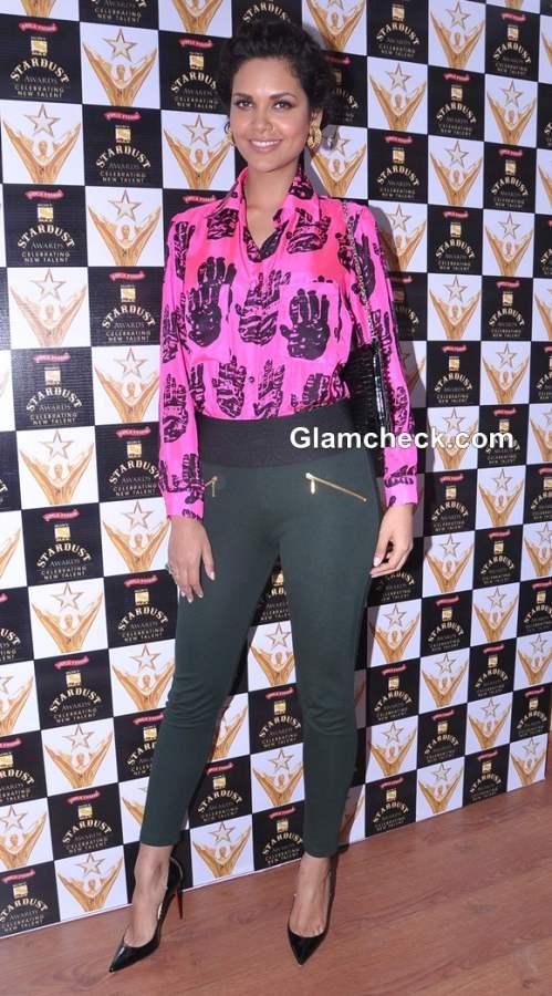 Esha Gupta 2013 hot Masaba Gupta Blouse at Stardust Awards Announcement