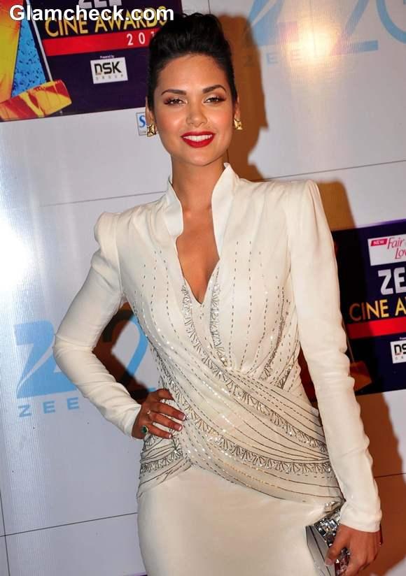 Esha Gupta at Zee Cine Awards 2013