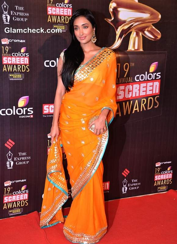 Jiah Khan Enticing in Mango Orange Sari at 19th Annual Colors Screen Awards