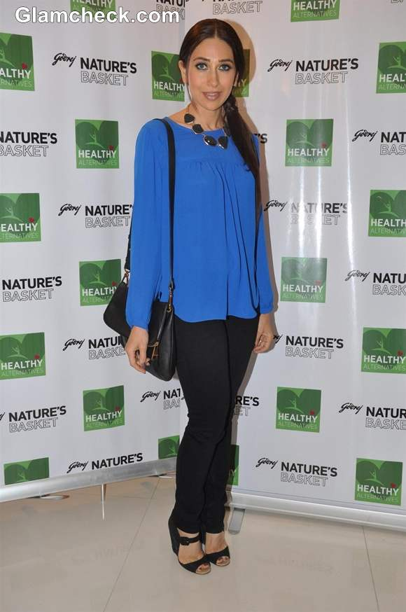 Karisma Kapoor Sweet in Blue at Healthy Food Launch 2013