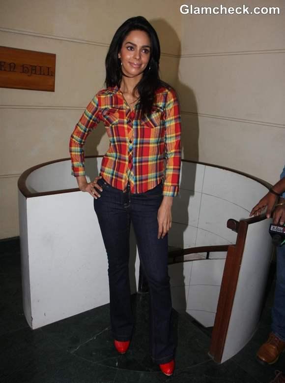Mallika Sherawat sexy Dirty Politics