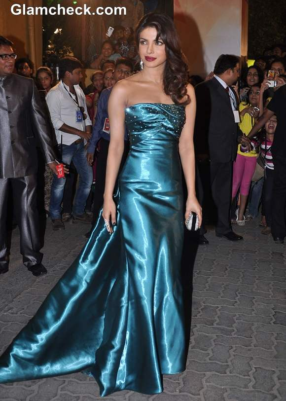 Priyanka Chopra Filmfare Awards 2013