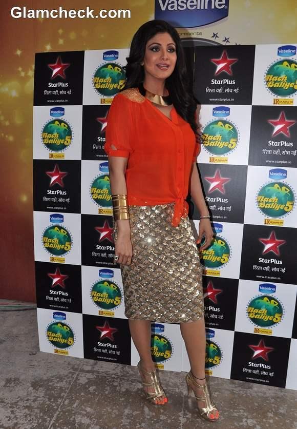 Shilpa Shetty in Gold Skirt on Nach Baliye 5