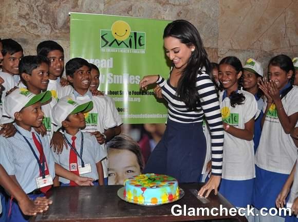 Sonakshi Sinha  Smile Foundation Event