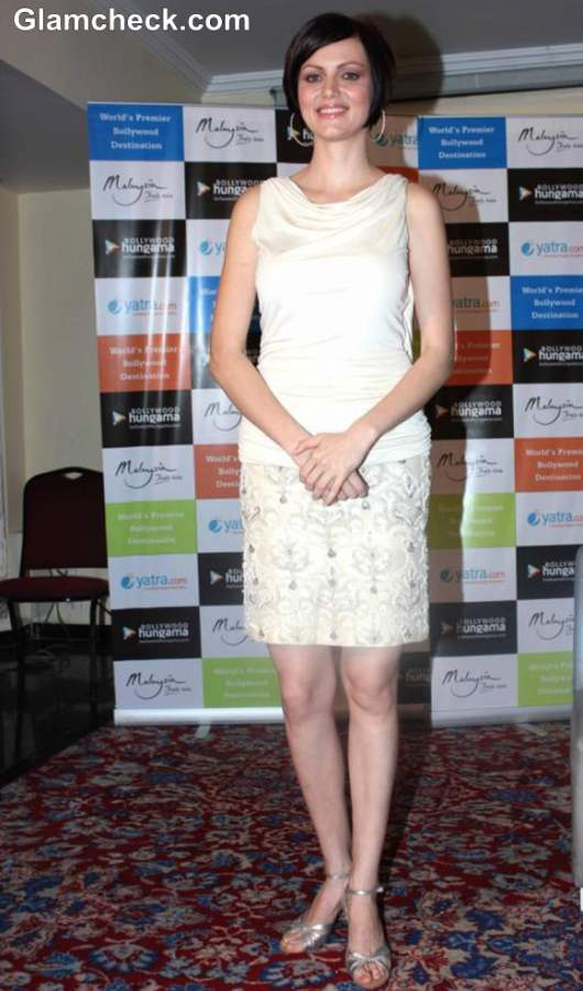 Yana Gupta 2013 White dress