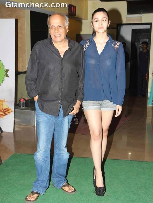 Alia Bhatt sexy in Sheer Shirt at Murder 3 Screening