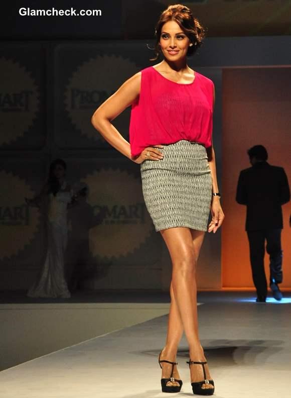 Bipasha Basu at Promart Retail Fashion Show