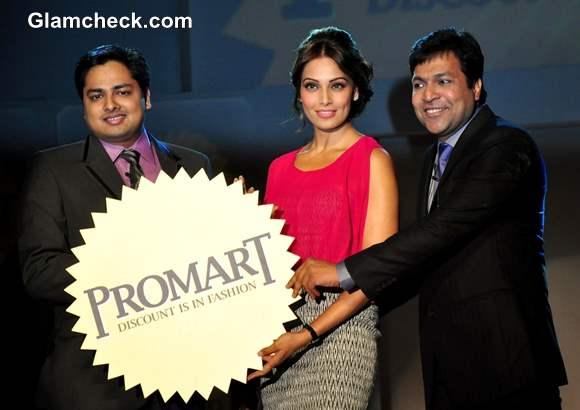 Bipasha Basu unveils Promart Retail Fashion Show