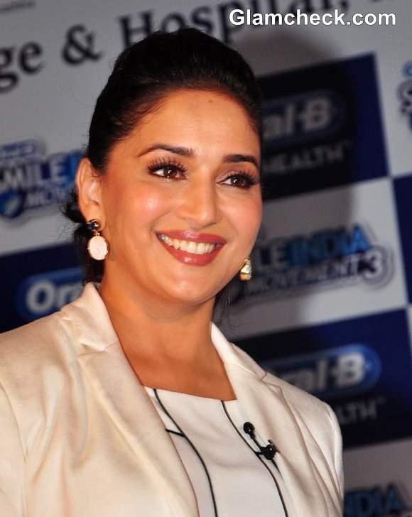 Madhuri Dixit Nene 2013 hairstyle makeup