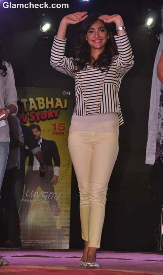 Neha Sharma Jayantabhai Ki Love Story