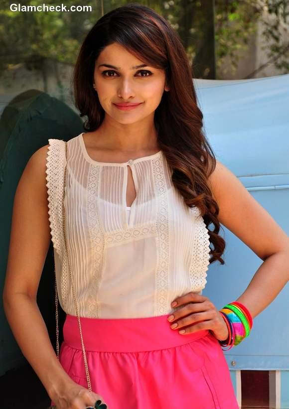 Prachi Desai Flaunts Candy Colours At The b blunt Salon In Mumbai