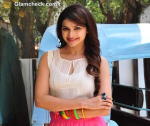 Prachi Desai Flaunts Candy Colours At The b: blunt Salon In Mumbai