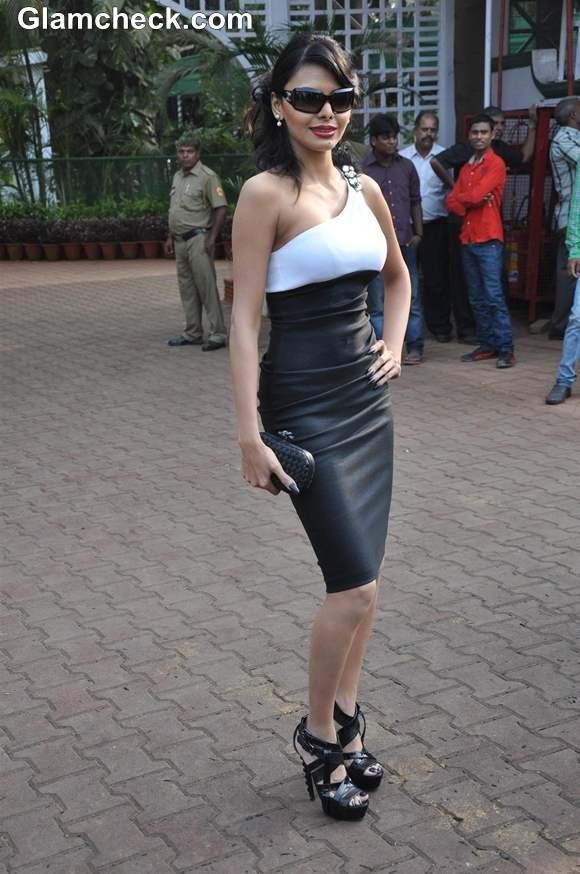 Sherlyn Chopra hot at McDowell Signature Premium Indian Derby 2013
