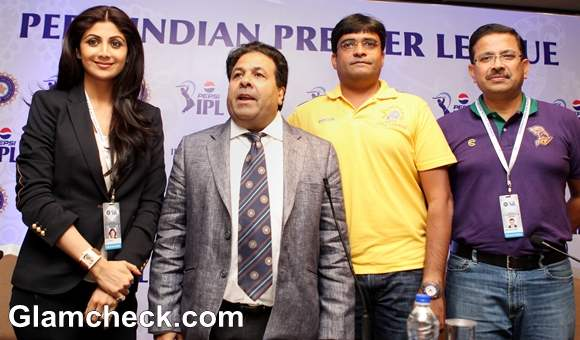 Shilpa Shetty And Preity Zinta At IPL 2013 Player Auction In Chennai