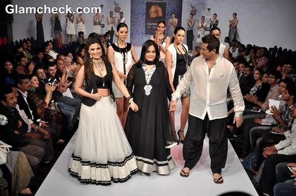 Shwetha Bhargava show bangalore fashion week summer showers 2013