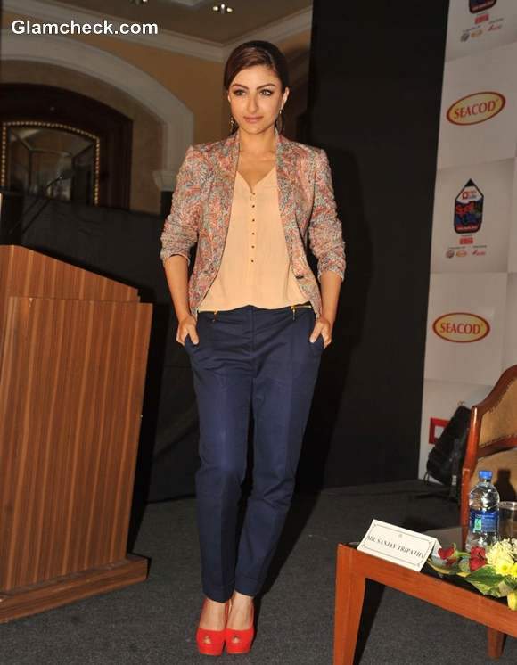 Soha Ali Khan Dons Trendy Printed Blazer at India Spells 2013 Event