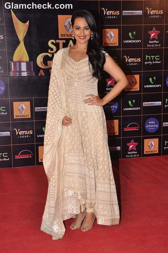 Sonakshi Sinha at Star Guild Awards 2013