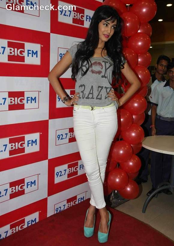 Sonal Chauhan BIG FM 92-7 3G Music Launch